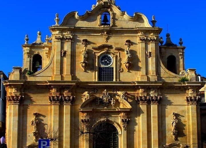 Scicli – Chiesa Madre di San Guglielmo in Sant'Ignazio. Esplora a 360°